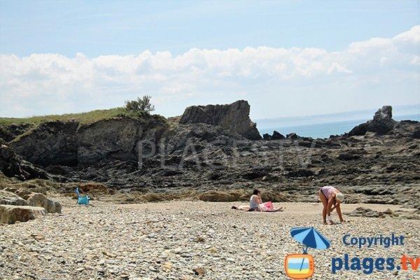 Criques entre les plages de Pentrez et de Cameros à Saint-Nic