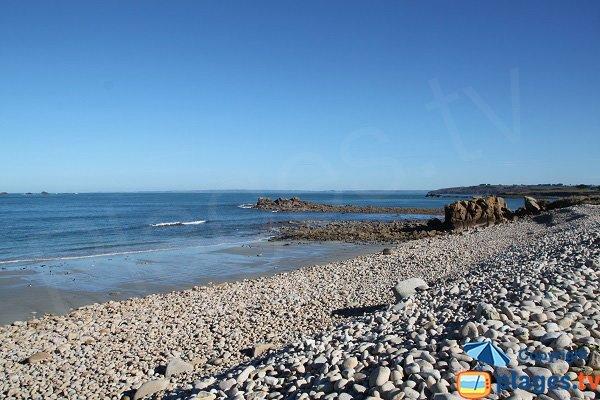 Plage à proximité du camping de la mer à Plougasnou