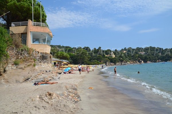 Aid station on the Canadel beach - Le Rayol-Canadel