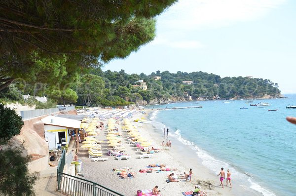Private beaches on the Canadel beach