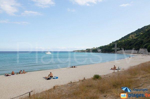Plage de Canella dans le sud de la Corse