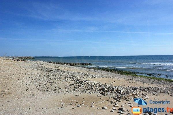Plage de sable et de galets à Jard sur Mer - Pé du Canon