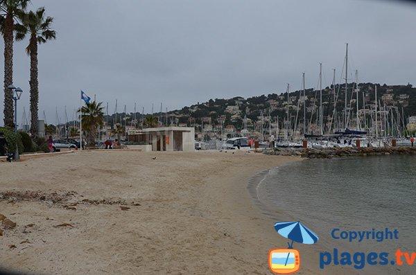 Sanitaire sur la plage des Canons - Saint Mandrier