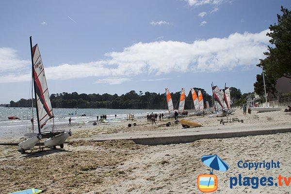 Sports nautiques sur la plage du Cap Coz - Fouesnant