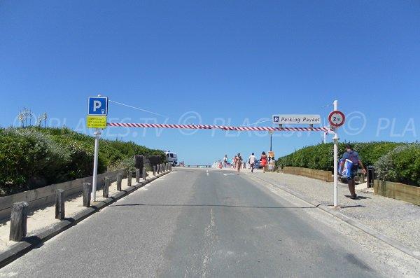 Parking à côté de la plage du Cap de l'Homy