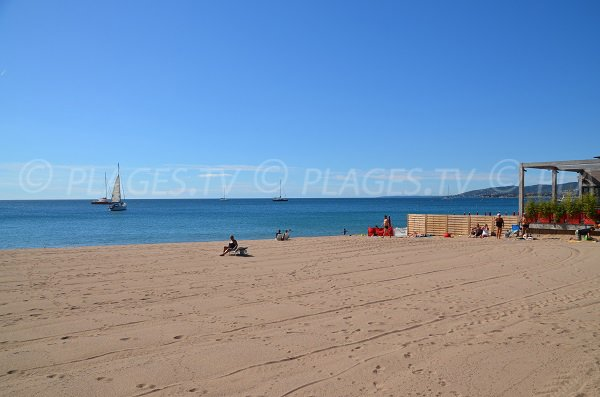 Private beach in Fréjus - capitole area