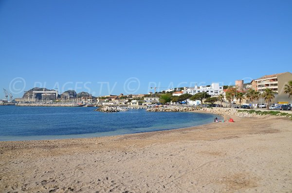 Beach and harbor of La Ciotat