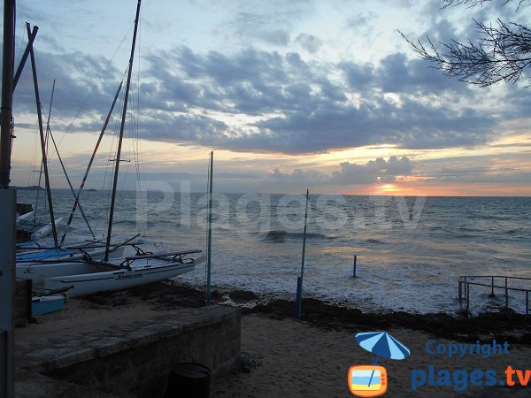 Caroual beach at high tide - Erquy