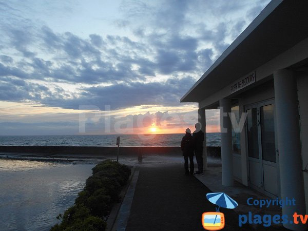 Coucher de soleil sur la plage du Caroual - Erquy