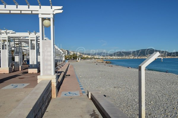 Disabled access to the beach in Nice - Carras