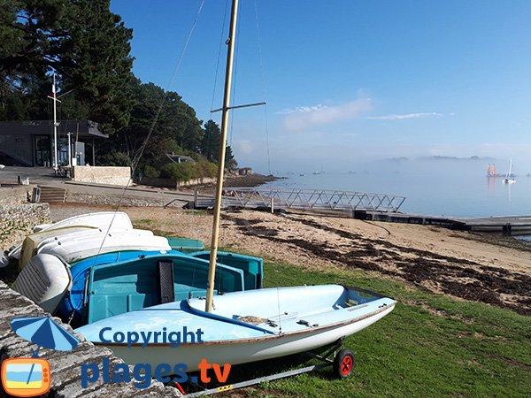 Pelouse autour de la plage de la Carrière - Arradon