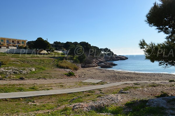 Access to Carro beach - La Couronne