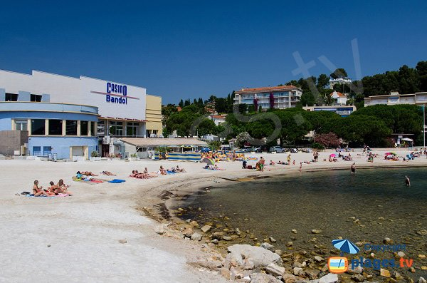 Public and private beaches in Bandol near the casino