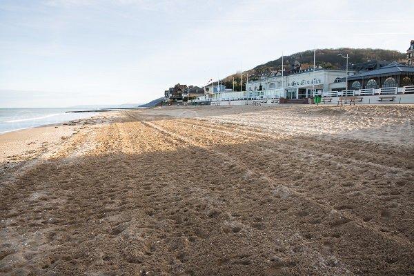 Photo de la plage du centre d'Houlgate