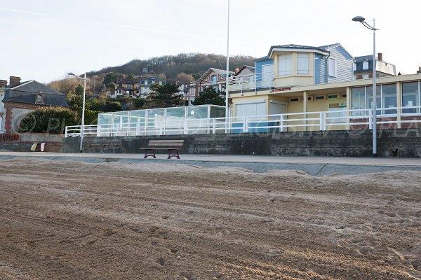 Poste de secours de la plage du Casino à Houlgate