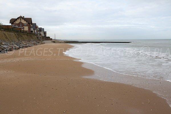 Vue sur Houlgate depuis la plage au niveau de la rue Dupont de l'Eure
