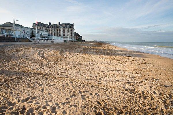 Photo de la plage du Casino d'Houlgate