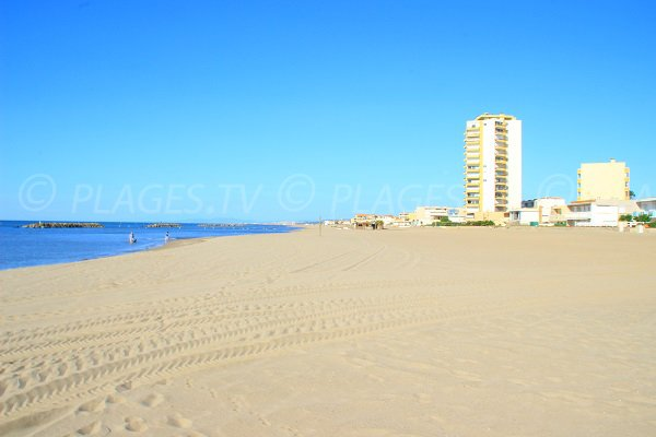 Plage du Casino de Valras en direction de la plage des Mouettes