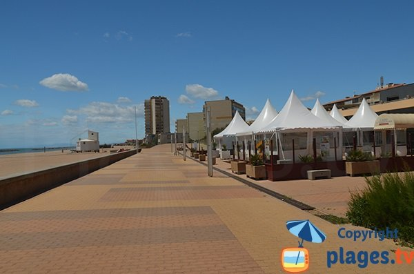 Promenade piétonne au niveau du Casino de Valras