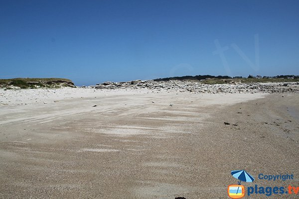 Plage à proximité du camping municipal de Pleumeur Bodou sur l'ile grande