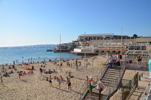 Spiaggia di Marsiglia a fianco del CNM