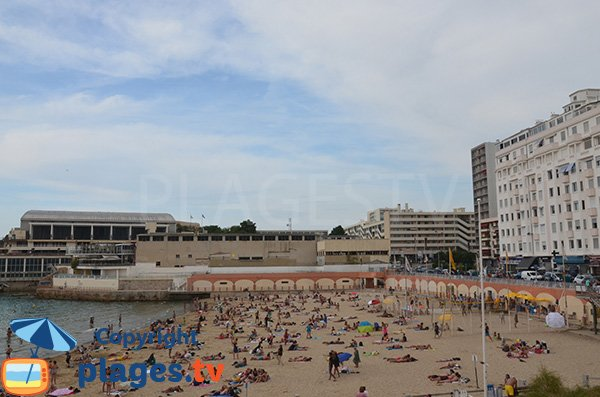 Beach near the harbor of Marseille