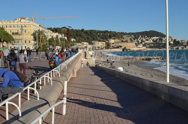 Disabled access to the beach in Nice