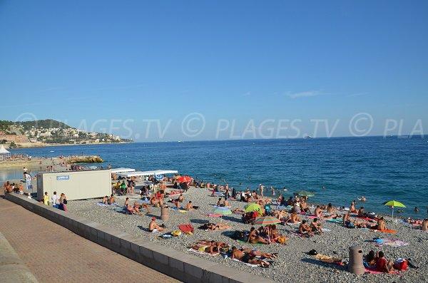 Photo de la plage du Centenaire de Nice en été