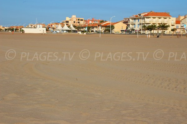 Photo of Central beach in Valras - France