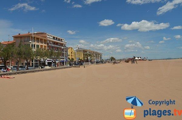 Front de mer de Valras-Plage côté port