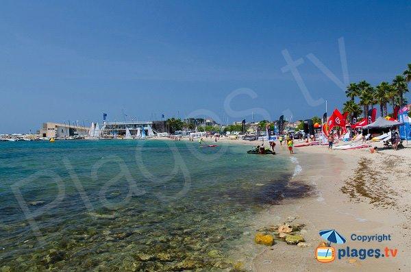 Photo de la plage centrale de Bandol