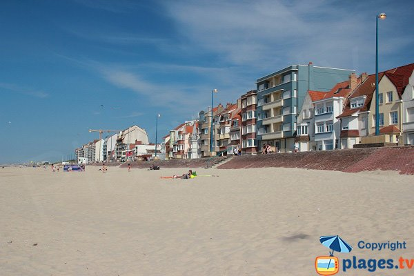 Front de mer de Bray-dunes depuis la plage