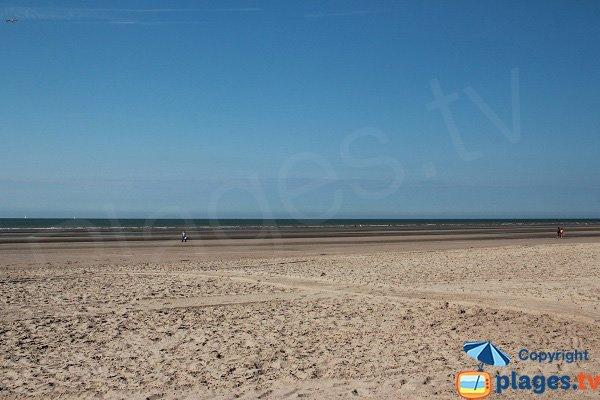 Grande plage dans le centre de Bray Dunes