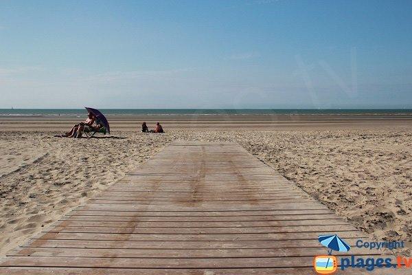 Accès pour les personnes à mobilité réduite à Bray-Dunes