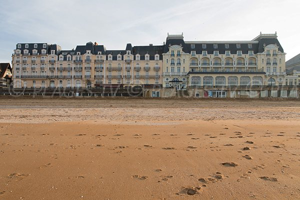 Casino cabourg hotel for Hotels cabourg