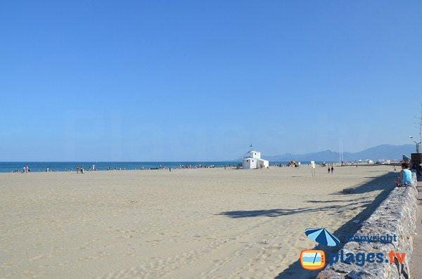 Photo de la plage dans le centre du Canet en Roussillon
