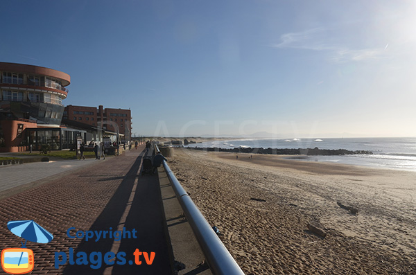 Main beach in Capbreton and view on dunes