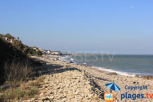 Beach at the exit of Grandcamp Maisy - Normandy