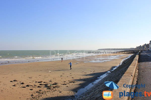 Photo of Central beach in Grandcamp Maisy - Normandy