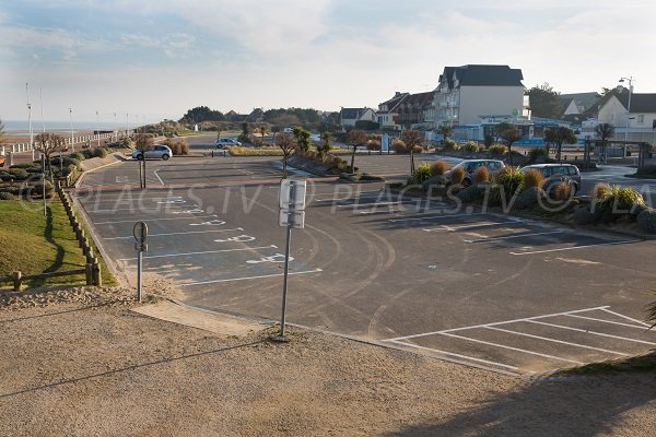 Parking and seafront Merville-Franceville (Calvados)