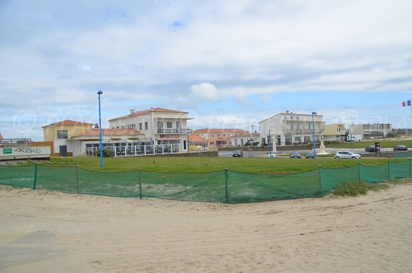 Resort of Montalivet and its beach