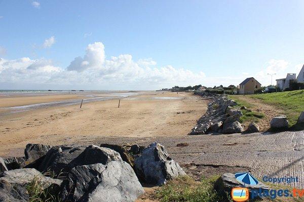 Cale de mise à l'eau sur la plage de Saint-Côme-de-Fresné