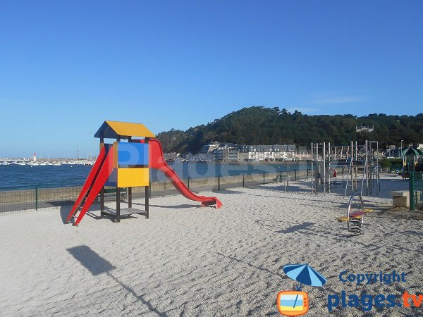 Area for childreen near the beach - Erquy