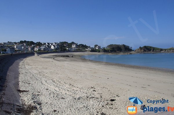 Photo of the central beach of Erquy - France