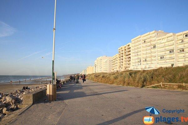 Digue promenade d'Hardelot au niveau du centre nautique