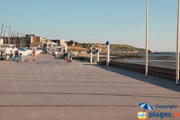 Promenade piétonne au niveau du centre nautique