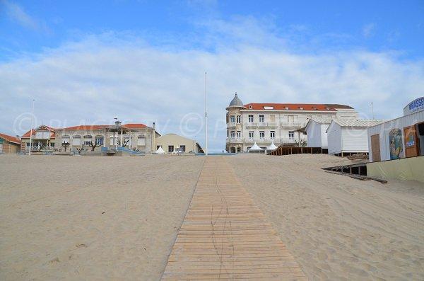 Accès à la plage du centre de Soulac