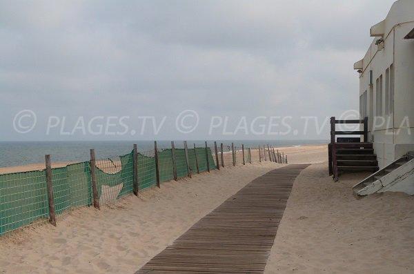 Accès aménagé de la plage du centre ville de Vieux Boucau