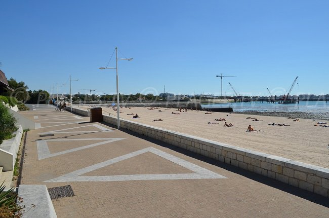 Beach near the centre of La Rochelle