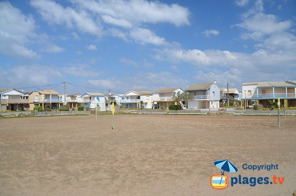 chalets beach in gruissan-plage - aude - france - plages.tv